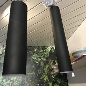 Lampe tube noire