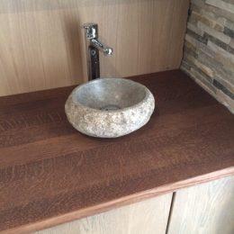Coup de coeur pour cette vasque de granit